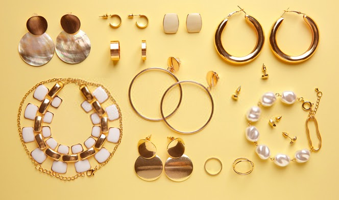 How to Start Your Own Jewelry Business (A Complete Guide)1